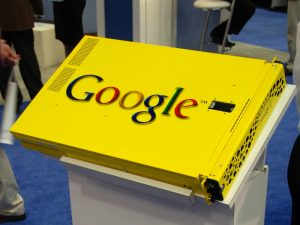 Picture of a Google Search Appliance on a stand.
